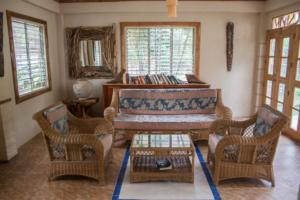 Siquijor IMG 0349 300x200 - Mango Tango - Guest House