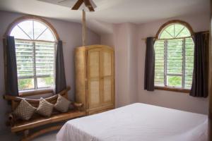 Siquijor IMG 0455 300x200 - Mango Tango - Guest House